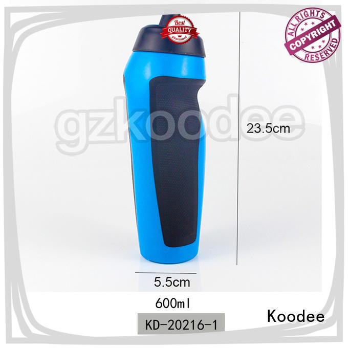plastic sports bottle water bottle 600ml Koodee